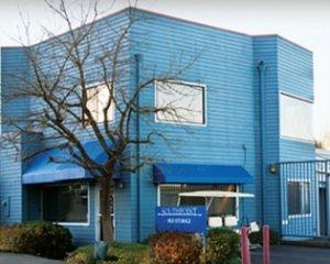 Blue self storage facility in sebastopol ca